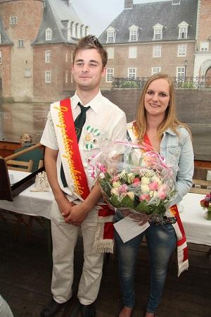 Manuell Bollwerk und Laura Spiegelhoff bilden das neue Königspaar bei den Anholter Jungschützen