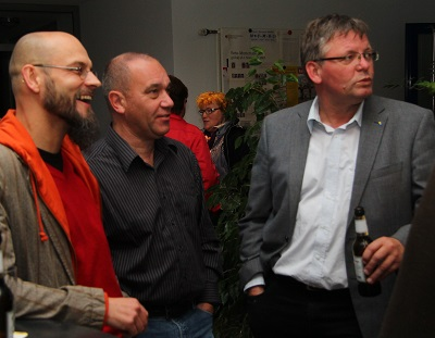 Von links: Andreas Böggering (FDP), Ulrich Gühnen (CDU) und Hermann Gebbing (FDP) diskutieren über den Wahlausgang
