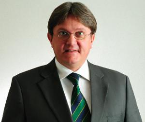 Freddy Heinzel referiert im Vehlinger Bürgerhaus (Foto: Strick.de)