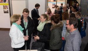 Zum Thema Berufsausbildung oder Praktikum stand Ulla Schulte (links) Rede und Antwort