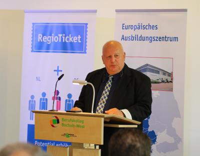 Heinz Renzel stellte die Möglichkeiten des Regiotickets für die Betriebe, abe auch für die Auszubildenden, bzw. Arbeitnehmer heraus (Foto: Frithjof Nowakewitz)