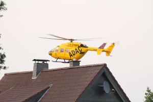 Eine verletzte Person wurde mit dem Hubschrauber ins Krankenhaus nach Enschede geflogen