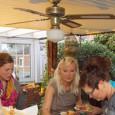 """Unter dem Motto """"Indian Summer"""" fand am vergangenen Freitag der fünfte Isselburger Weiberabend statt. Gastgeber war Elektro Weck. Auf zwei Etagen konnten sich die Besucherinnen […]"""