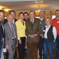 SD. Fürst zu Salm-Salm begrüßte die Gäste vom DWV, Bürgermeister Rudi Geukes (2.v.l.) sowie Monika Westerhoff-Boland und Ehemann Werner (2. u. 3. v.r.) (Foto: Privat)