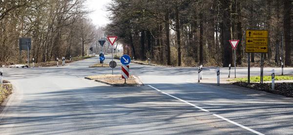 Die Kreuzung Suderwicker Straße / Höftgraben wird duch einen Kreisverkehr entscchärft (Foto: Frithjof Nowakewitz)