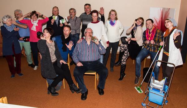 Schon bei den Proben ging es lustig zu. Die Besucher dürfen sich auf einen sehr unterhaltsamen Abend freuen (Foto: Frithjof Nowakewitz)