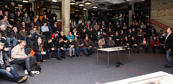 Rund Interessierte besuchten den ersten Glasfaser-Info-Abend im PZ (Foto: Frithjof Nowakewitz)