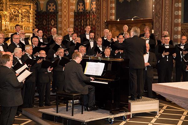 Ulfts Mannenkoor gastierte in der St. Pankratiuskirche (Foto: Frithjof Nowakewitz)