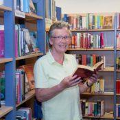 Elisabeth Ferber geht in den Ruhestand. Lesen wird aber nach wie vor ein großes Hobby bleiben (Foto: Frithjof Nowakewiitz)