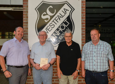 Westfalia ehrte Clemens Döring für 70-jährige Vereinszugehörigkeit
