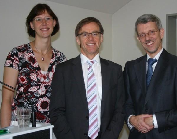 Von links:  Logopädin Silvia Hessling, Gastreferent Prof. Dr. Alfons Schnitzler und PD Dr. Michael Haupts