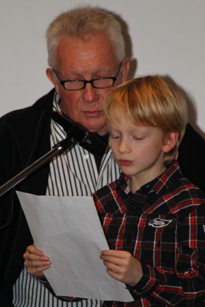 Der achtjährige Karl Westerhoff trat im Beisein vom Opa Wilhelm erstmals vor Publikum auf.
