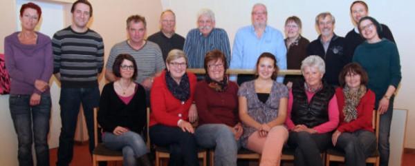 Hier zeigt sich das gesamte Ensemble. Auf dem Foto fehlen Conny Berger, Luisa Deckers, Lukas Strube und Dieter Koch
