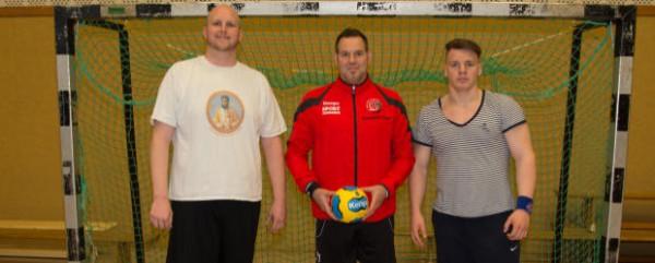 Christian Blümel (links) und Ole van Alst (rechts) sind zwei Neuzugänge, die das Team von Martin Weber (mitte) auf der rechten Angriffseite verstärken sollen (Foto: Frithjof Nowakewitz)