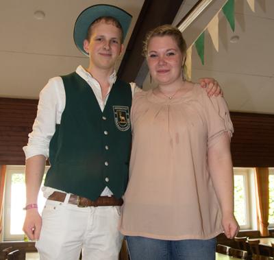 Mike Wolters und Kerstin Schaffeld gehören sicherlich zum jüngsten Königspaar in der Geschichte des Herzobocholter Schützenwesen (Foto: Frithjof Nowakewitz)