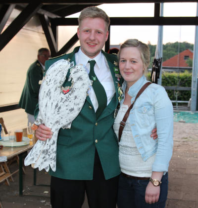 Hendrik Tepuhl und Kerstin Grütjen regieren nun für ein Jahr die Vehlinger Schützenbruderschaft (Foto: Frithjof Nowakewitz)