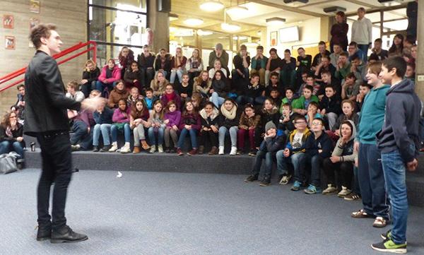 Mentalist Timon Krause zog die Schüler in seinen Bann (Foto: Privat)