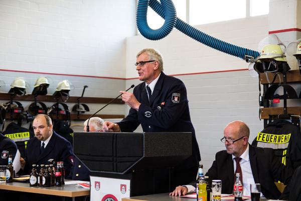 Bei der Versammlungseröffnung durch Stadtbrandmeister Jürgen Großkopf war die Stimmung noch ungetrübt