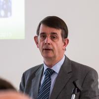 Professor Stephan Breide stellte den Nutzen der Breitbandverkabelung dar (Foto: Frithjof Nowakewitz)