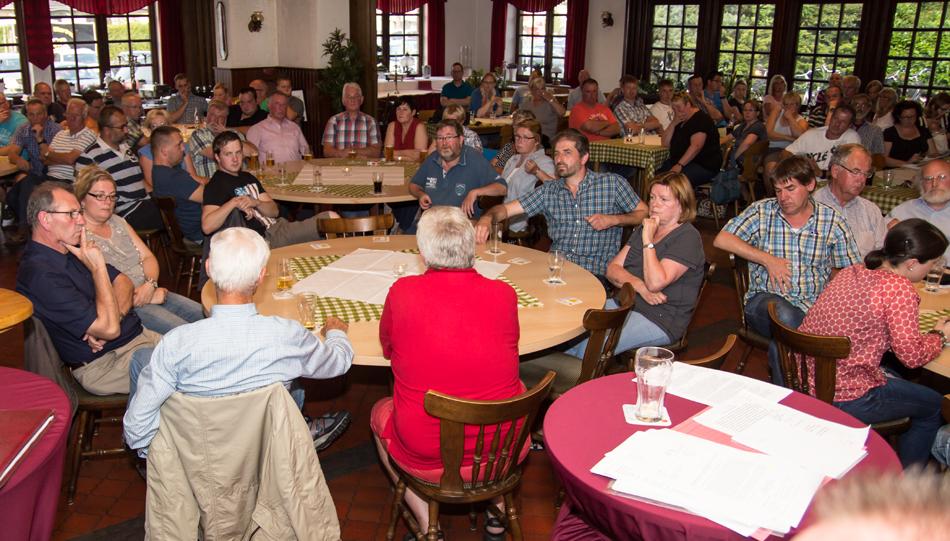 Ca. 100 Besucher nahmen an der Bürgerversammlung teil