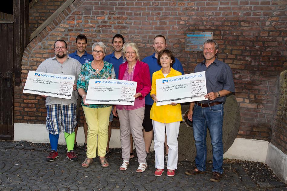 Von links: Raimund Stroick, Dieter Hübers, Marianne Roßkothen, Konrad Hübers, Christa Janßen, Buko Hollands, Beatrix von der Lieth, Jürgen Heidemann