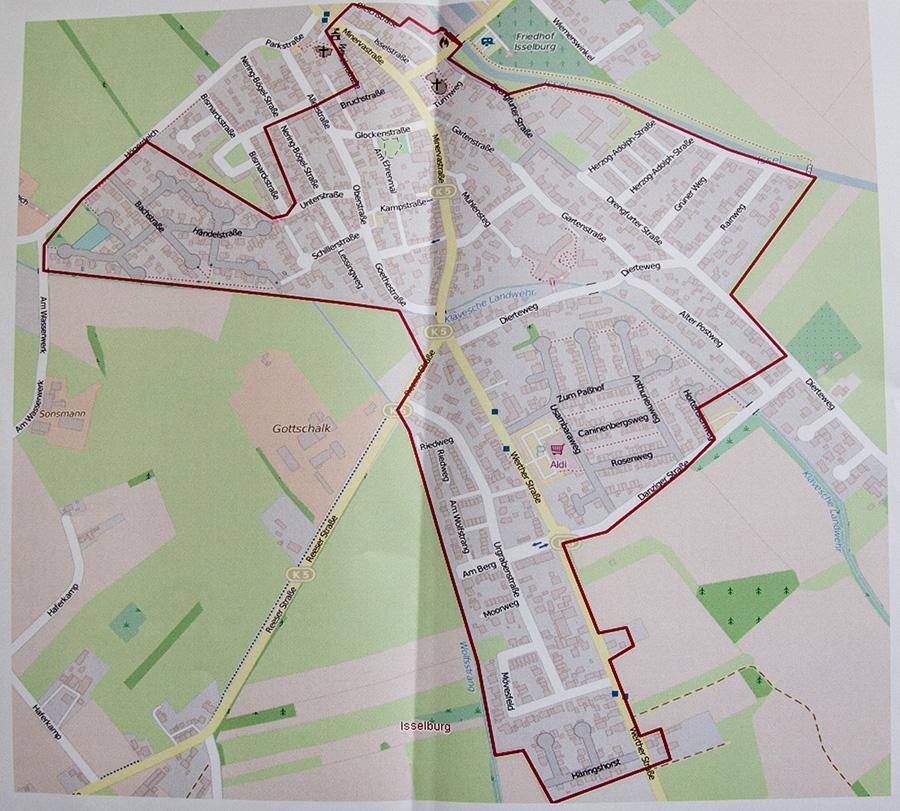 Die Haushalte, die sich innerhalb des rot umrandeten Gebietes in Isselburg befinden, erhalten den Glasfaseranschluss, sofern sie sich vertraglich dafür entschieden haben.
