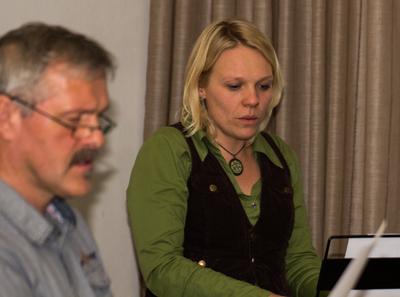 Chorleiterin Frauke Prooi wünscht sich mehr Männer in ihrem Chor (Foto: Frithjof Nowakewitz)