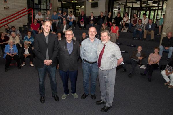 Schulleiter Til Huber verabschiedete Wilfrid Elting, Arge Kats und Josef Kreilkamp (von links) in den Ruhestand