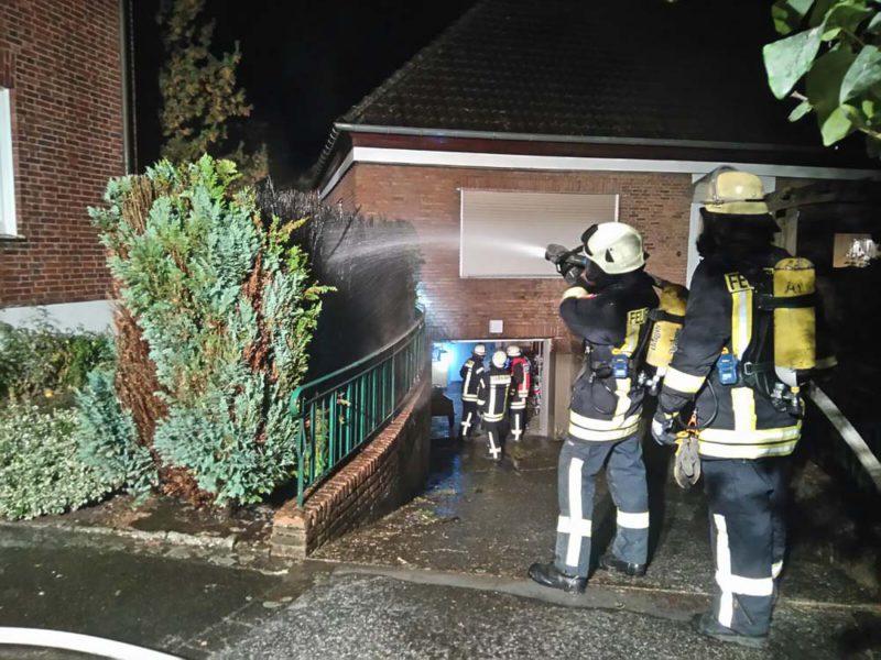 Heckenbrand in Werth - Polizei geht von Brandstiftung aus