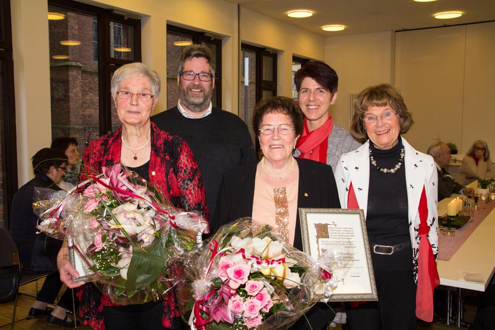 Kirchenchor ehrt langjährige Mitglieder