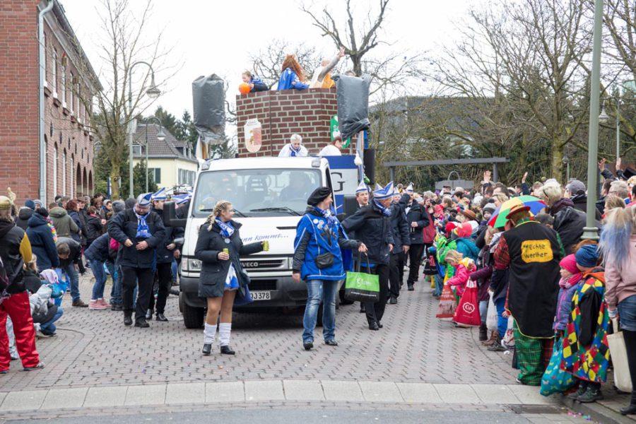 4000 Besucher sehen Isselburger Rosenmontagszug