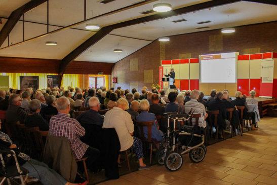 230 Besucher beim Parkinsontag in der Bürgerhalle Herzebocholt