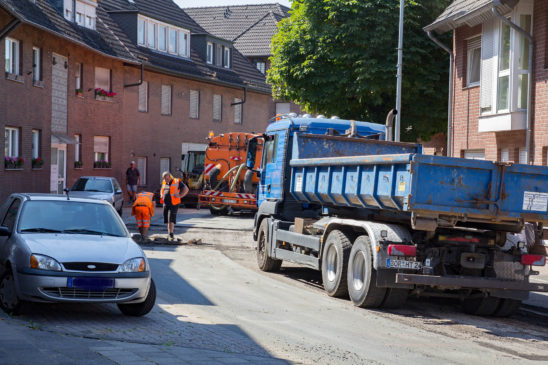 Niederstraße in Anholt ist gesperrt - Radfahrer spielen mit ihrer Gesundheit
