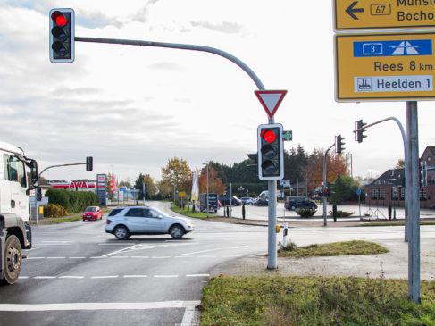 Änderungen bei der Verkehrsführung zum Gewerbegebiet Heelden