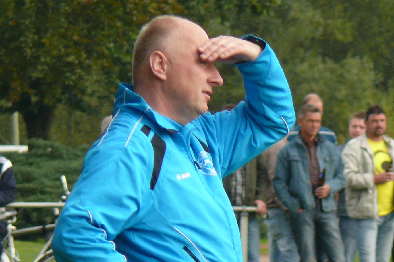 """SV Werth verlängert Vertrag mit Trainer """"Hoppel"""" Trinker"""