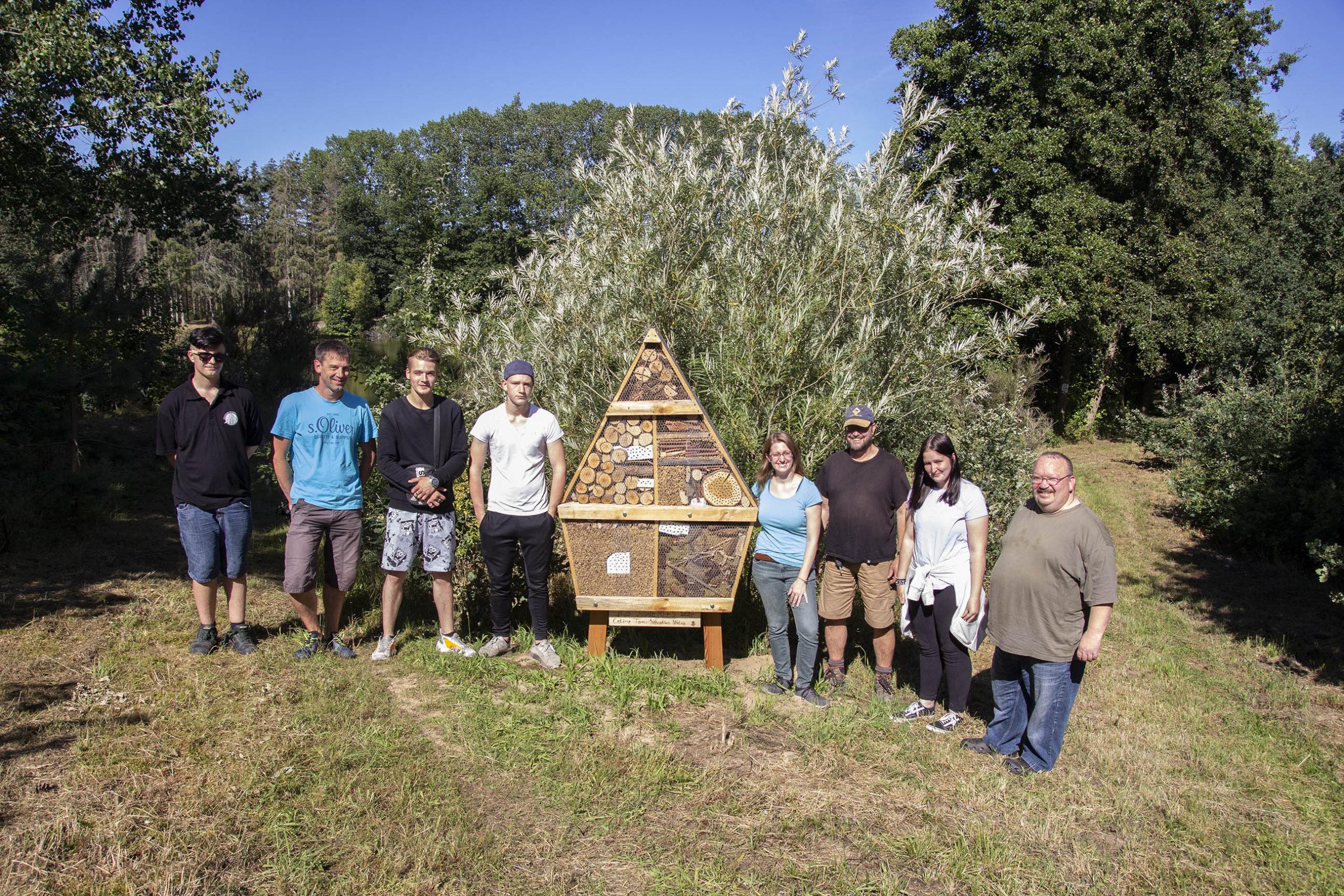 Zwei Insektenhotels für den Görsee