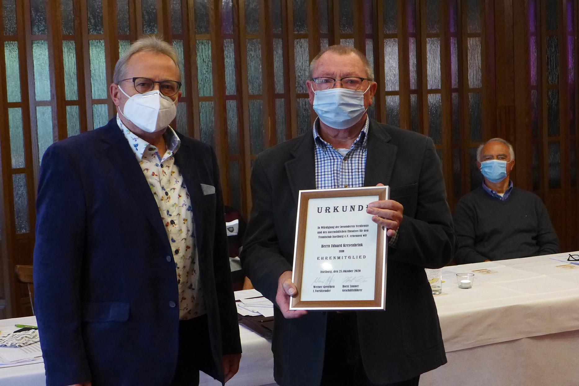 Eduard Kreyenbrink wird Ehrenmitglied im Isselburger Tennisclub