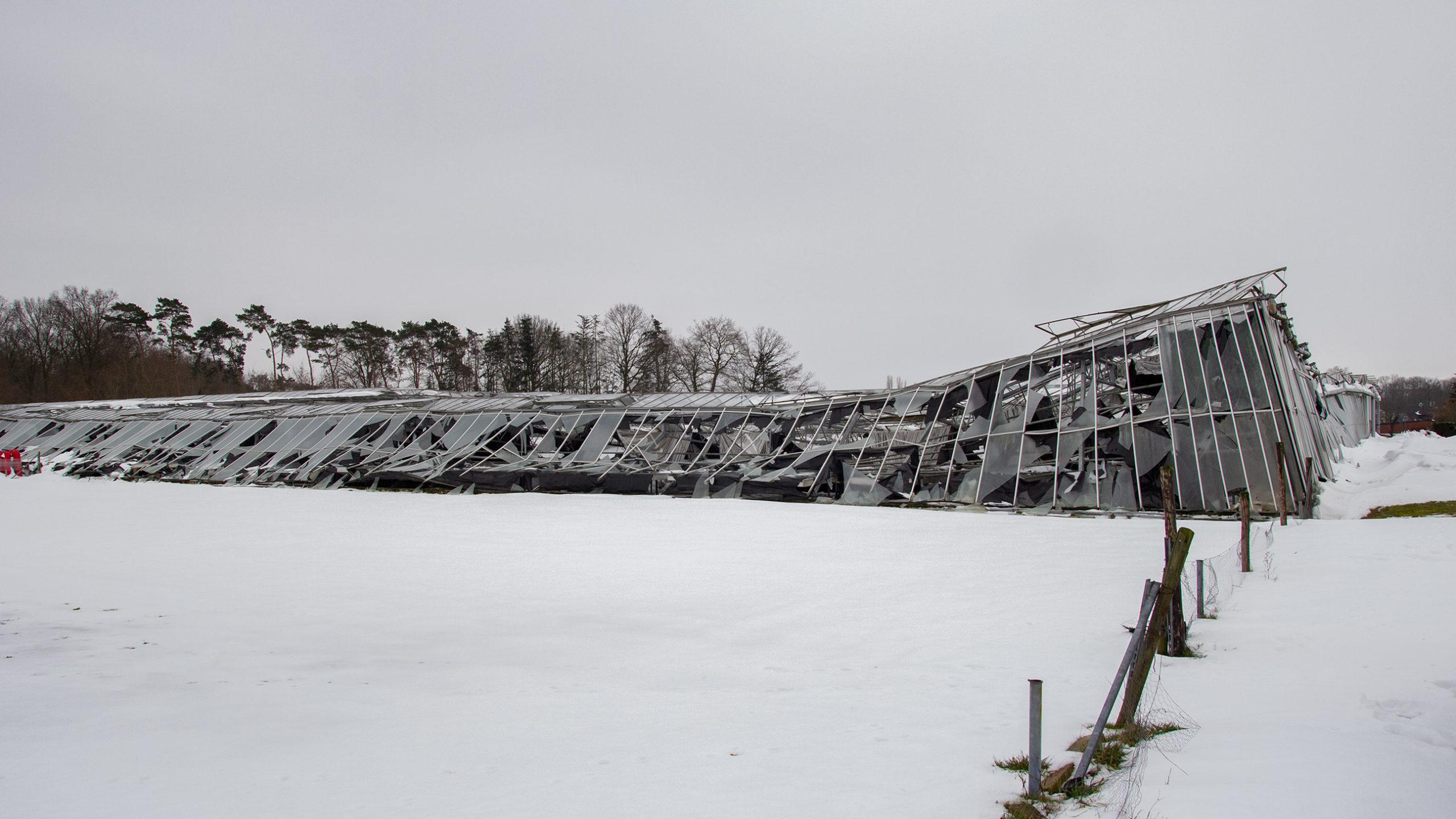 Gewächshaus unter Schneelast zusammengebrochen