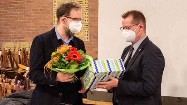 Bürgermeister Michael Carbanje verabschiedete scheidenden Kämmerer